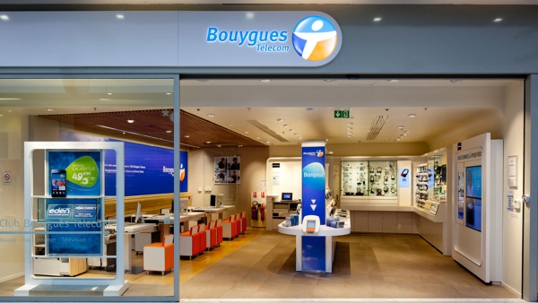 RESEAU CLUB BOUYGUES TELECOM / VERSIONS